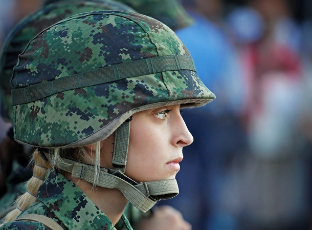 military_blondy